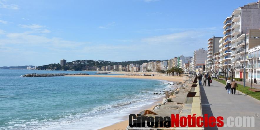 Passeig i la platja de Sant Antoni