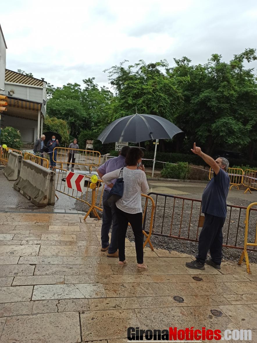 Besalú talla l'accès al trànsit a causa d'unes obres de reparació
