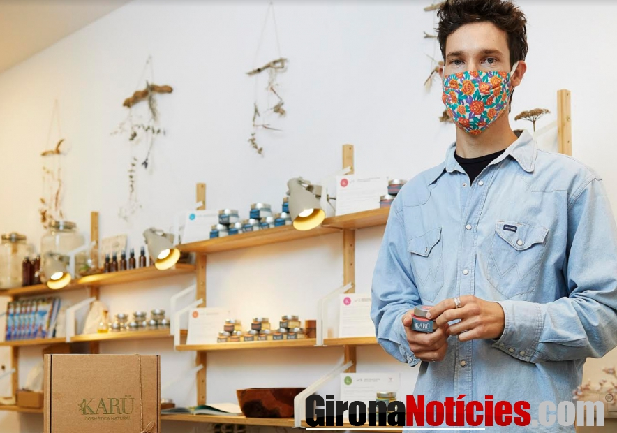 Chicho, fundador de la botiga-obrador de cosmètica natural Karü