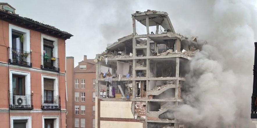 alt - Explosión en la calle Toledo de Madrid