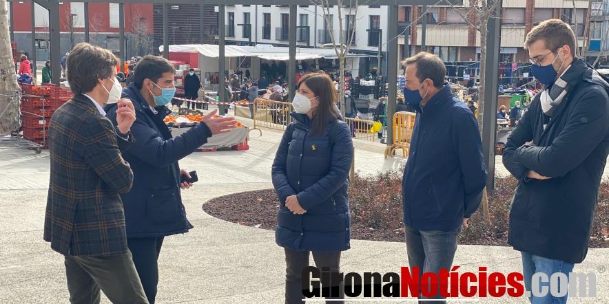 alt - Gemma Geis al mercat d'Olot